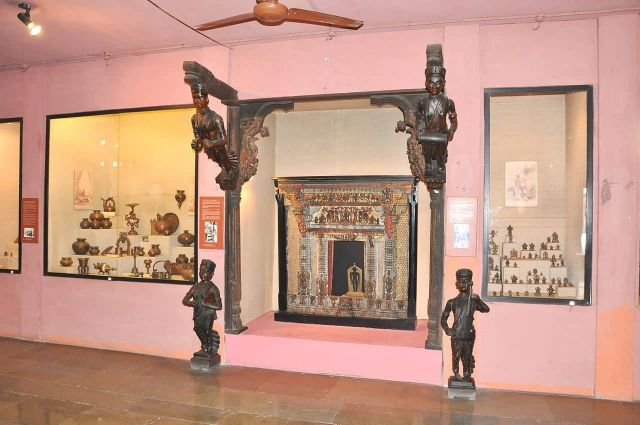 National Handicrafts and Handlooms Museum, New Delhi Picture