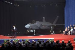 F-35 Lightning II - Lightning II makes its debut Photo