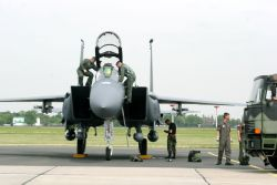 F-15E Strike Eagle - U.S. opens Berlin Airlift Show with