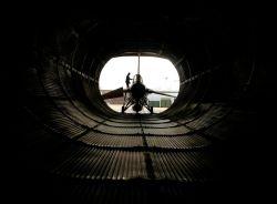 F-16 Fighting Falcon - Preparing the engine Photo