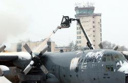 C-130 Hercules - De-ice de-plane Photo