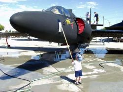 U-2D - Scrubbing the Dragon Lady Photo
