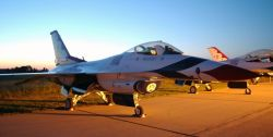 F-16 Fighting Falcon - Thunderbird at rest Photo