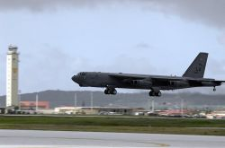 B-52 Stratofortress - Buff lift off Photo