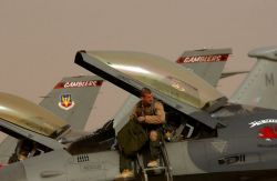 F-16 Fighting Falcon - Ayers Photo