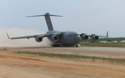 C-17 Globemaster III - Assault landing Photo