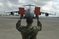 C-17A Globemaster III - Hold it there Photo