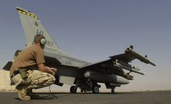 F-16 Fighting Falcon - Mission ready Photo