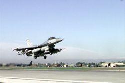 F-16CJ - Into the air Photo