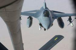 F-16CJ - Refueling run Photo
