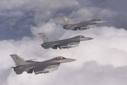 F-16C - Falcon trio Photo