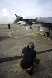 F-16 - Commando Sling Photo