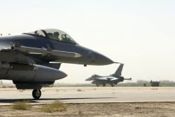 F-16 Fighting Falcons - Fighting Falcon Photo