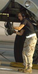 B-52 - Crew chiefs turn bombers like fighters Photo