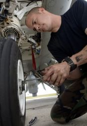 F-16 - Tire replacement Photo