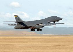 B-1B Lancer - Lancer lift off Photo