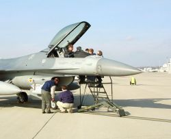 F-16 - Pilots give feedback on F-16 upgrade Photo