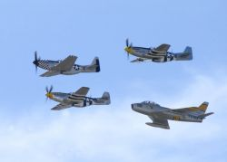 P-51 - Formation flying Photo