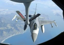 F-16 Fighting Falcon - Total force at home Photo
