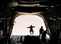 C-17 Globemaster III - C-17 test team conducts airdrop tests Photo
