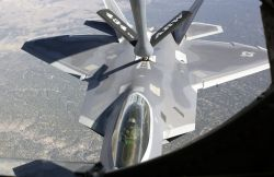F/A-22 Raptor - Raptor refueling Photo