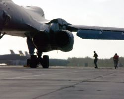 B-1 Lancer - B-1 ready to fly Photo