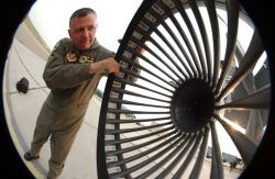 KC-135R - Drogue check Photo