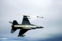AIM-9 - Ready, aim... Photo