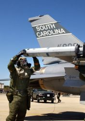 F-16 Fighting Falcon - Getting ready to launch Photo