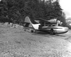 Olson Bay and Grumman Goose Photo