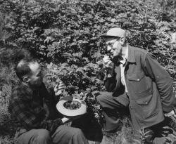 Bud Elkins and Frank Beals, Kodiak Photo