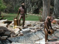 Bronze Sculpture of Fishery Workers Photo