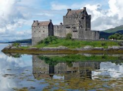 Eilean Donan Castle Scotland Photo