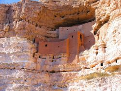 Montezuma's Castle cliff dwellings Photo