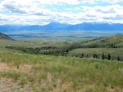Looking into the Madison Valley from an un-named pass between Ennis and Twin Bridges. Photo