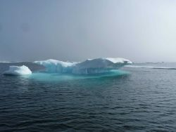 A small ice berg. Image