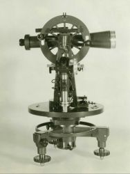 A theodolite for observing horizontal angles. Image
