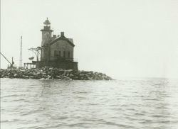 Different view of Saugerties Lighthouse than image cgs00569. Photo