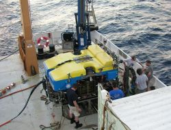 WHOI's Jason II on the deck of the NOAA Ship RON BROWN Photo