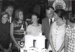 Sylvia Earle on left and other women aquanauts at Tektite II press conference Photo