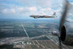 Heavy DC-6 aircraft Photo