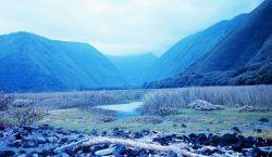 Looking south down the Waipio Valley Photo