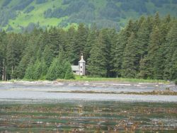 Russian Orthodox Church hostel at Monk's Lagoon Photo