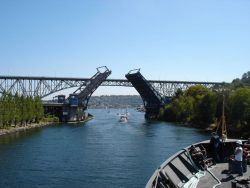 Fremont Avenue bascule bridge opening. Photo