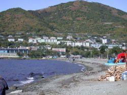 A gravel beach at Vladivostok. Image