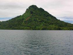 An island in Chuuk Lagoon. Image