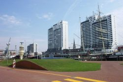 Apartments with ocean and harbor views at Bremerhaven. Photo
