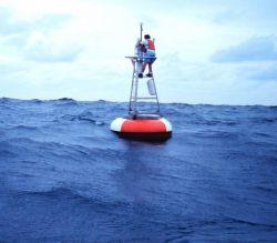 Maintaining Atlas TOGA-TAO buoys on the equatorial El Nino array Photo
