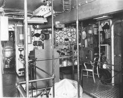 Engine room of PATHFINDER Photo