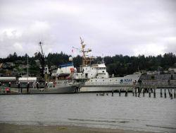 NOAA Ship MILLER FREEMAN and Oregon State University vessel ELAKHA (